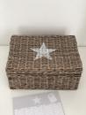 Tolle Aufbewahrungsbox aus Rattan mit Stern